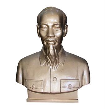 Tượng Bác Hồ, được làm bằng đồng