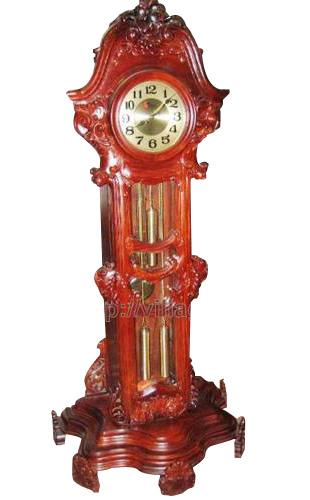 Đồng hồ hao văn chạm thủ công