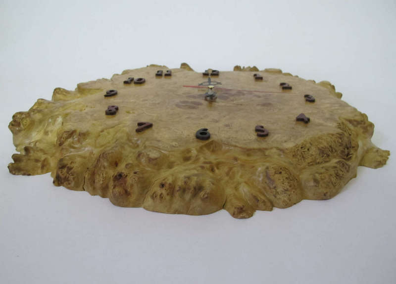 Đồng hồ treo tường, gốc cây