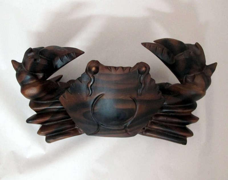 Đồ gỗ đồng kỵ: cua gỗ trang trí