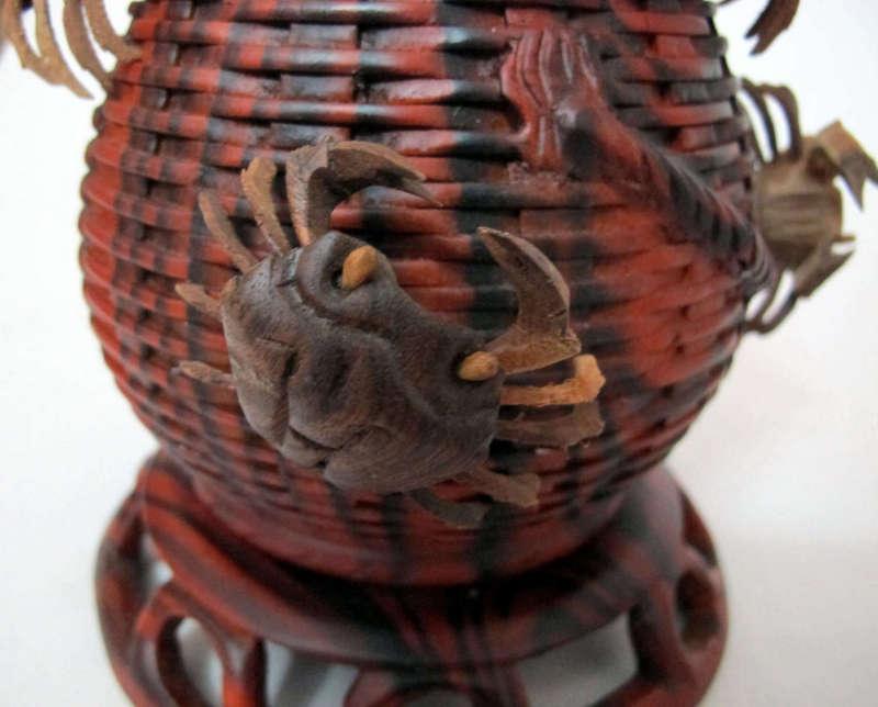 Đồ gỗ đồng kỵ: giỏ cua trang trí
