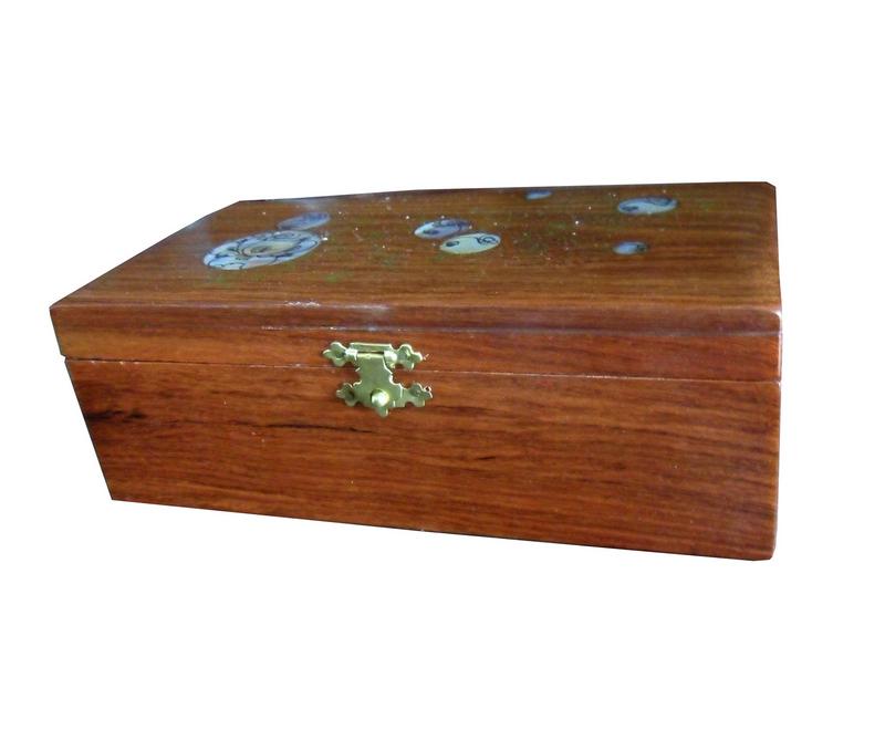 Hộp gỗ tinh sảo dùng đựng trà