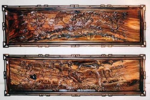 Tranh rồng chạm gỗ Hương