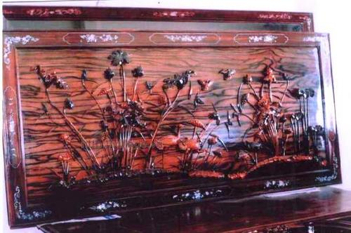 Tranh tùng hạc gỗ Hương