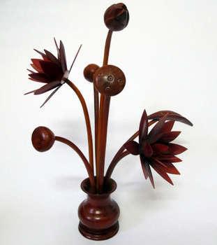 Đồ gỗ: lọ hoa sen bảy bông