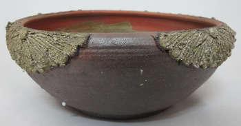 Bát thả hoa họa tiết nổi trên miệng bát, gốm Phù Lãng