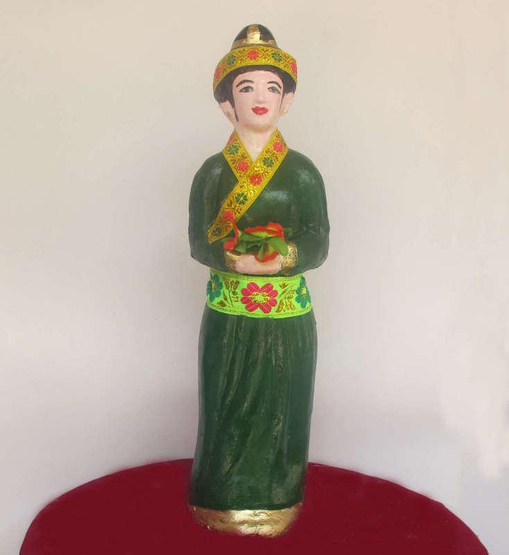 Tượng cô Quỳnh cô Quế, nghệ nhân Vũ Văn Bảy