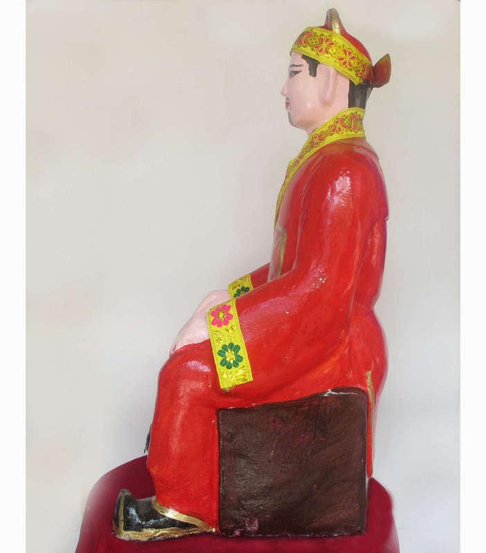 Tượng Quan Đức Ông - Đức Thánh Trần, được làm bằng thạch cao