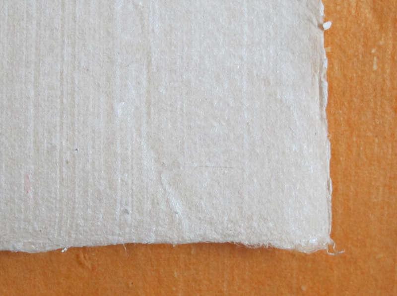 Tranh Đông Hồ Thánh Gióng, chất liệu giấy điệp